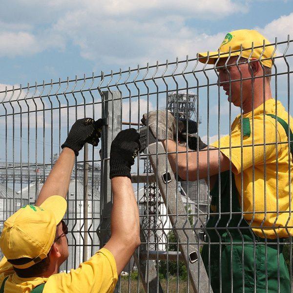Монтаж секционного забора высотой от 6 м c бетонированием столбов