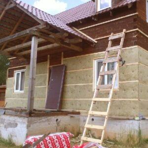 Работы по утеплению фасада минеральной ватой 50 мм (декор: тонированная штукатурка)